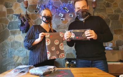 Masken und Rundschals